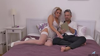 Wild fucking with a facial ending be required of desirable MILF Kathy Anderson