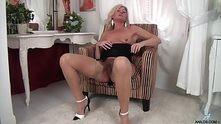 Video of small tits mature Ellen B playing with her prudish pussy