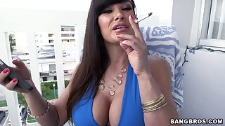 Amazing Lisa Ann gets will not hear of dishevelled pussy eaten out by a horny dude