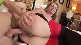 Aged and young anal: heavy ass of age MILF ass fucked by younger lad