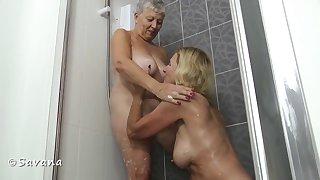 Savana & Molly In Along to Shower - TacAmateurs